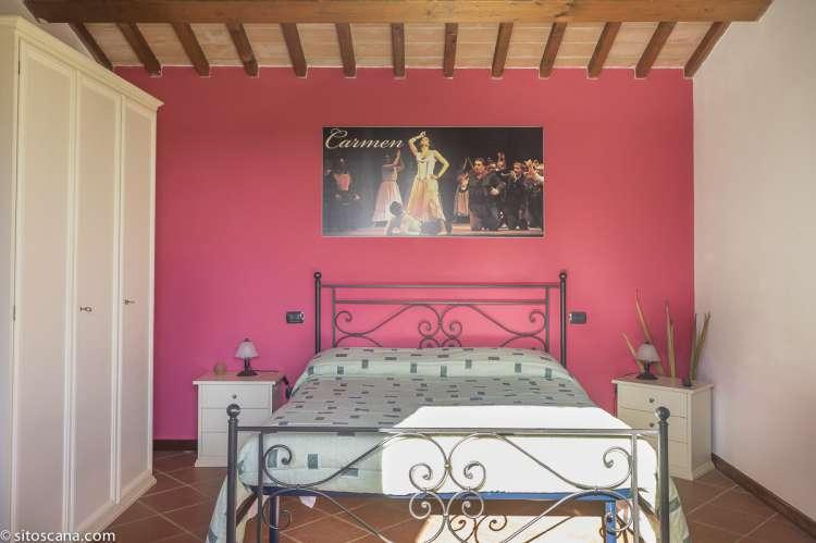 Soverom i suite nr. 7  på vingården Podere Cenni ved San Miniato. Foto.