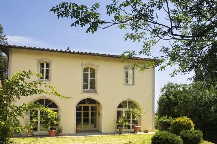 Foto. Vakker villa med høy standard i Toscana. Plass til mange personer som reiser sammen. Storfamilie på ferie, Villa La Scala midt mellom Pisa og Firenze.