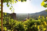 Bildet viser utsikt mot Pisa og strendene ved Middelhavet. Bildet er tatt like ovenfor kirkegården i Montemagno.